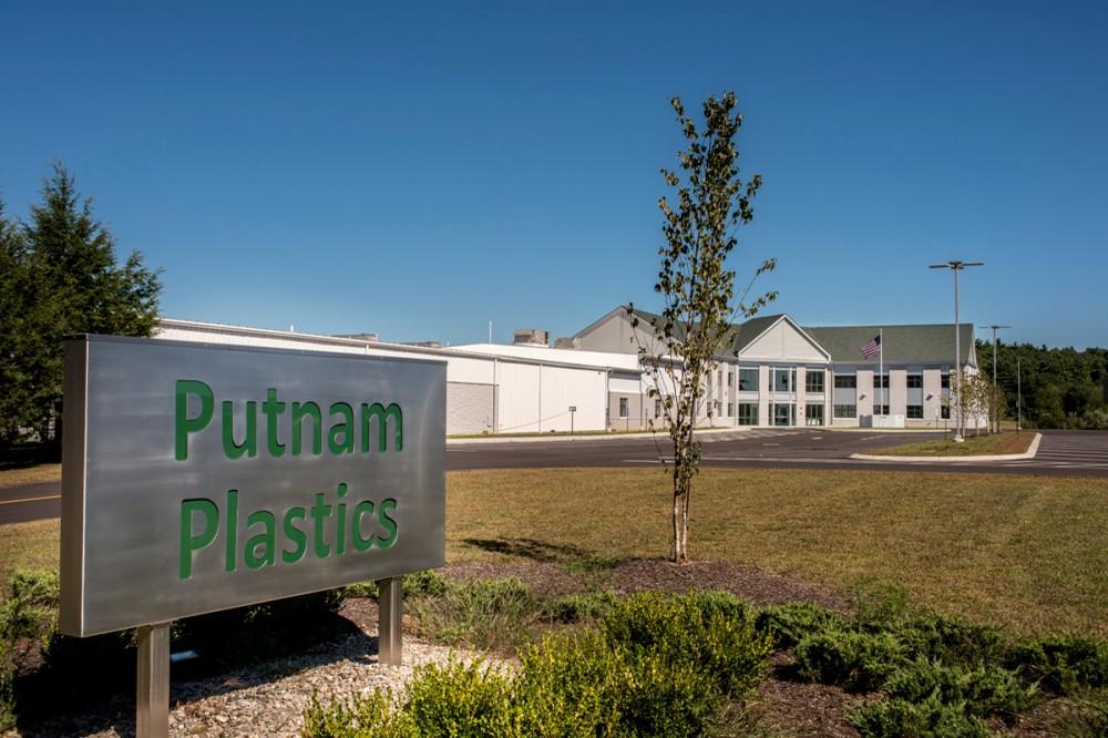 Putnam Plastics 10.jpg
